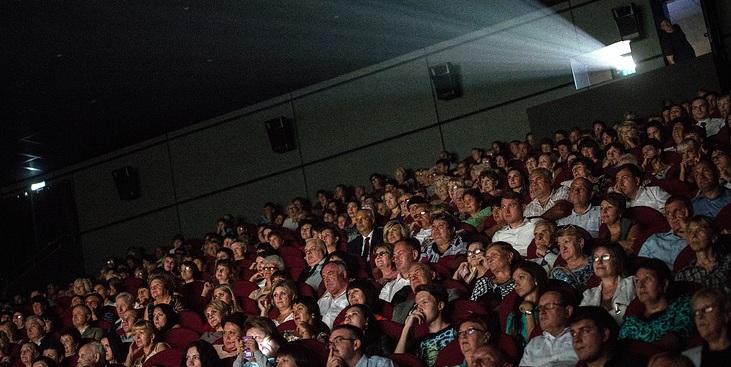 В самом высокогорном городе России открылся кинотеатр